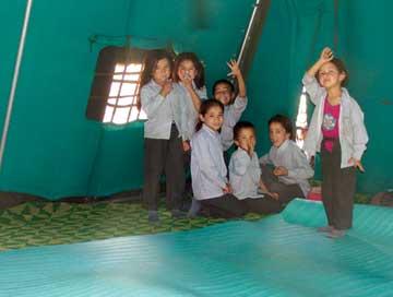 Saspoche_Joyful-moment-of-Primary-school-children-in-learning-space