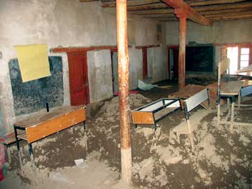 Saspoche_impact-of-floods-inside-classroom