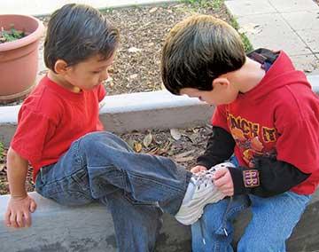 kid-helping