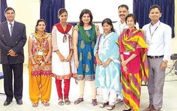 Vid-Workshop-in-Jalgaon-for-Poddar-school